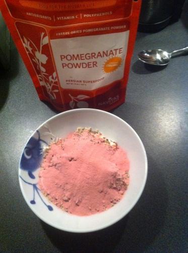 youghurt med rosa pulver